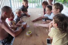 2017-07-05 Настольные игры на веранде