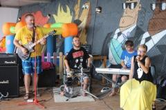 2018-08-07 Выступление гр. ОВОЩИ на набережной Ялты